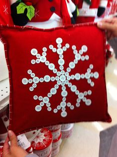 25 Beautiful Christmas Pillow Case Covers You Wouldn't Want To Miss For Anything In The World Christmas Buttons, Christmas Sewing, Christmas Holidays, Christmas Decorations, Christmas Ornaments, White Christmas, Christmas Projects, Holiday Crafts, Snowflake Pillow