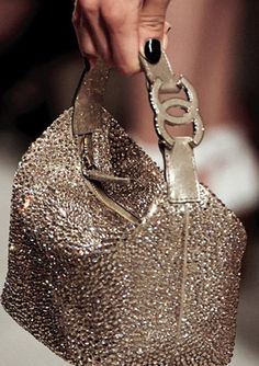 Bolsos Chanel Channel Cruise Handbag 2014 / aroramode.com bolso de #Chanel....loving this...very glam.**