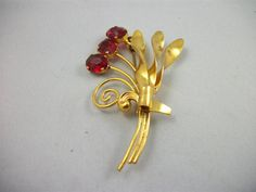 $ 18 Antique Slovakian Gold Tone Brooch with by CarouselVintageJewel