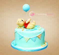 Birthday Cake Boys Disney Winnie The Pooh 60 Ideas Pooh Baby, Winnie The Pooh Cake, Baby Shower Cakes Neutral, Torta Baby Shower, Baby First Birthday Cake, First Birthday Cakes, Fondant Cakes, Cupcake Cakes, Disney Cakes