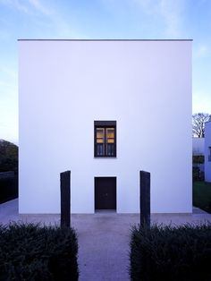 Simple and beautiful facade, The House on the Hostert by Uwe Schroeder.
