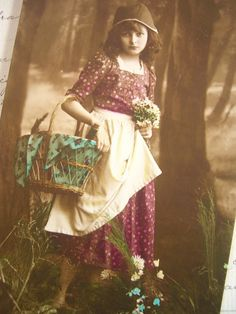 アンティークポストカード/童話 赤頭巾ちゃんのような美しい少女