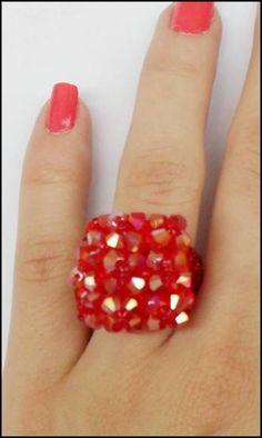 Lindos aneis feito em cristais R$ 10,00