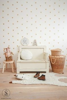 Find more neutral colour bedroom ideas for kids room that are perfect for a gender neutral room décor and design. Farmhouse Nursery Decor, Vintage Nursery Decor, Childrens Room Decor, Baby Room Decor, Baby Boy Rooms, Little Girl Rooms, Baby Bedroom, Girls Bedroom, Gender Neutral Bedrooms