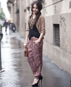What To Wear With Harem Pants – 10 Ways To Wear Harem Pants