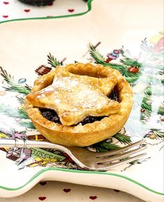 Boozy Baileys Mince Pies: Fancy a grown up twist for your mince pies this Christmas? This boozy Baileys recipe makes six festive and naughty pies. Baileys Recipes, Pear Recipes, Pastry Recipes, Cake Recipes, Mince Meat, Mince Pies, Baileys Cake, Heritage Recipe, Baileys Irish Cream