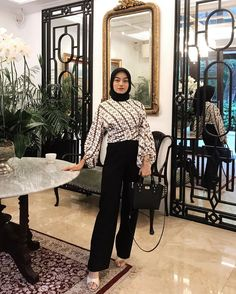 Modern Hijab Fashion, Muslim Women Fashion, Batik Fashion, Hijab Fashion Inspiration, Kebaya Hijab, Kebaya Dress, Hijab Dress Party, Casual Hijab Outfit, Fashion Outfits