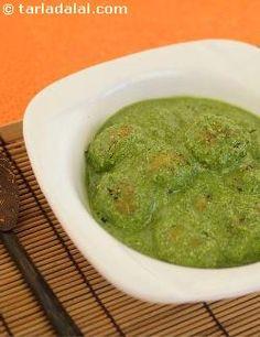 Paneer Koftas in Spinach Sauce ( Desi Khana) recipe   Indian Recipes   by Tarla Dalal   Tarladalal.com   #1501