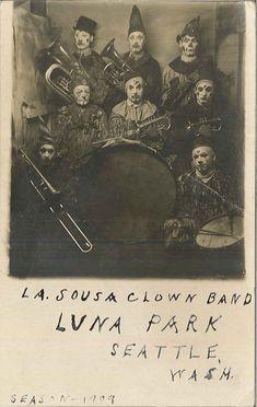 dyingforbadmusic: La Sousa Clown Band at Luna Park, 1909 by Seattle Municipal Archives Postcard collection (Record Series Seattle. Vintage Clown, Vintage Halloween, Creepy Vintage, Vintage Photographs, Vintage Photos, Clowns Band, Art Du Cirque, Circo Vintage, Bozo