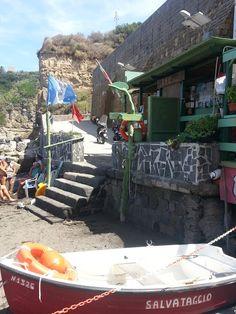 """Bagno Annamaria - La spiaggia de """"Il Postino"""" - Procida"""