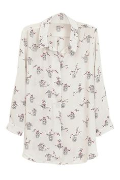 鳥や白い花柄シャツ