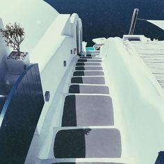❝Basic beauty❞🇬🇷 #michaelpsouk #happy #travel #cruiseship #volcano #vacation #travellife #water #wander #wanderlust #photography #stairs #living_europe #instagood #summer #summervibes #Santorini #thira #imerovigli #instalifo #art #instagram #fun #friends #vscocam #greece #tbt #vintage tb#visualsoflife #heavenonearth Heaven On Earth, Volcano, Santorini, Summer Vibes, Greece, Places To Visit, Wanderlust, Stairs, Europe