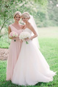 coordinating bouquets and blush bridesmaid dresses!!-- I like this but reverse, bride gets pink and bridesmaids get white (same goes for boutonnieres)