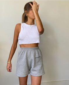 Summer Fashion Tips .Summer Fashion Tips Look Fashion, Daily Fashion, Fashion Outfits, Womens Fashion, Fashion Tips, Street Fashion, Fashion Quiz, 90s Fashion, Winter Fashion