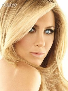 Celebrity Skin Care from MAS! Jennifer Aniston- I like all of the tips except for the Botox- I would never do plastic surgery or alter my face with anything like that, no matter how Jennifer Aniston Style, Jennifer Aniston Makeup, Jennifer Aniston Pictures, Jennifer Garner, Fried Hair, Jeniffer Aniston, Celebrity Skin, Brigitte Bardot, Twiggy
