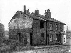9 October 1962: the remains of numbers 2 and 4 Albert Street, Woodhouse. The left side of this block was Moseley Street. Ridge Road is on the left, Meanwood Road on the right.