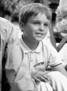 Miguel Bosé niño