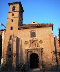 Arquitecura: Diego de Siloe. Iglesia de San Ildefonso, tiene una portada renacentista. Está situada en Granada.