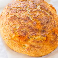 This sourdough cheese bread requires no starter required and is so easy! It tastes like it's from a fancy bakery! Who can resist homemade cheesy bread? Dutch Oven Bread, Dutch Oven Recipes, Easy Bread Recipes, Cooking Recipes, Cheddar Cheese Bread Recipe, Cheese Buns, Sourdough Recipes, Sourdough Bread, Bread Bun