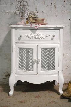 Lovely white night stand