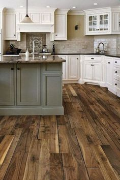 35 Stunning Small Farmhouse Kitchen Decor Ideas Best For Your Farmhouse Design is part of Farmhouse home Bar Farmhouse kitchen style will be impeccable thought whether you need to have family assemb - Small Farmhouse Kitchen, Tuscan Kitchen, Home Decor Kitchen, Kitchen Cabinet Design, Home, Kitchen Remodel, Home Remodeling, Kitchen Renovation, Kitchen Design