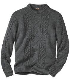 Irischer Wollpullover: Dieses Modell erinnert an die traditionellen Pullover der irischen Seeleute. Der Wechsel von glatt gestrickten Partien mit verschiedenen Zopfmustern auf der Vorderseite liegt voll im Trend.  http://www.atlasformen.de/products/neue-kollektionen/im-herzen-der-highlands/irischer-wollpullover/44817.aspx