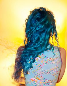 anybody who can rock bright blue hair is cool in my book