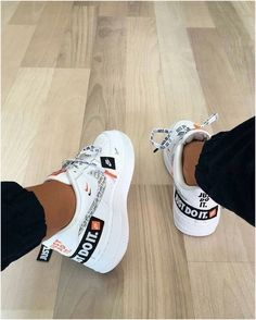 Low Retro - Nike -Nike Air Force 1 Low Retro - Nike - 80 Cute Shoes You Will Definitely Want To Save ~ Nike Order Adidas Yeezy Boost 350 True Form shoes online Nike Shoes Moda Sneakers, Sneakers Mode, Vans Sneakers, Sneakers Fashion, Fashion Shoes, Nike Fashion, Women's Fashion, Green Sneakers, Jeans Fashion