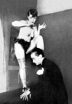 Das sündige Berlin- Berliner Kurier 1920s Cabaret, Paris 1920s, This Girl Can, Showgirls, Vintage Girls, Vintage Photography, Historical Photos, Burlesque, Erotica