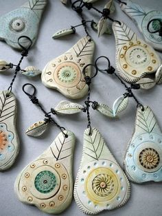 air dry clay project ideas - partridge in a pear tree Ceramic Jewelry, Ceramic Clay, Polymer Clay Jewelry, Clay Christmas Decorations, Clay Ornaments, Homemade Ornaments, Paperclay, Salt Dough, Clay Beads
