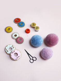 Pom Maker Tutorial / How to tie your pompoms (important for perfectly dense pom poms)