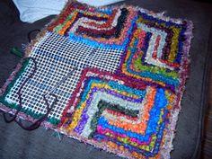 #Locker Hooking # Sari Silk #pillow in progess Charlotte Dey
