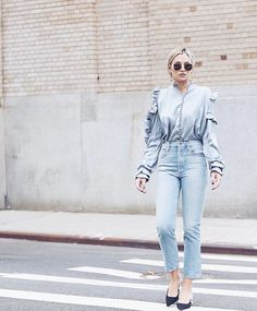 This is the jeans-and-top outfit every NYC girl is wearing for summer 2017.