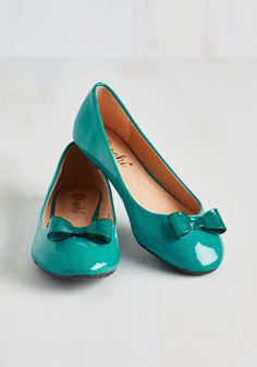 Zest of Luck Flat in Teal