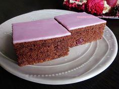 Raspberrybrunette: Višňový perník   Veľmi vláčny, šťavnatý a mäkulink...