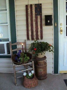 Do you need inspiration to make some DIY Farmhouse Front Porch Decorating Ideas in your Home? When you are trying to create your own unique Farmhouse Front Porch design, you will want to use ideas from those that are… Continue Reading → Country Decor, Farmhouse Decor, Farmhouse Style, Modern Farmhouse, Flag Country, Bedroom Country, Modern Country, Vintage Farmhouse, Vintage Kitchen