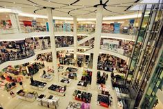 Let's follow to shopping passion in Laemtong shopping center, Rayong, Thailand.