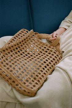 Lauren Manoogian Paper Net Bag in Oak - Crocheted tote bag in medium size - Made in Peru - Fabric: paper Crochet Tote, Crochet Handbags, Bead Crochet, Diy Crochet, Crochet Crafts, Crochet Projects, My Bags, Purses And Bags, Net Bag