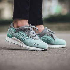 "On foot look at the ASICS Gel Lyte III ""Light Mint"" Sizes available via END -> http://www.aiobot.com/?ap_id=lindasneakers"