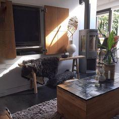 """Nuevo-interiordesign Twello's Instagram post: """"♡Hola, lieve volgers en welkom alle nieuwe volgers.Super leuk dat jullie mij volgen 🙏 Wat ik vandaag gedaan heb?? Gewoon helemaal niks 🙌…"""" Interior Design, Mirror, Instagram, Vanity, Furniture, Home Decor, Pictures, Nest Design, Dressing Tables"""