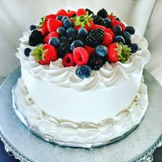 Fresh berry cake #birthdaycake #berry #freshberries #cakesbyvictoria