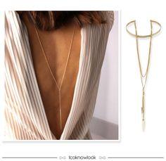 Truque de styling incrível: usar os colares ao contrário com um decote nas costas, fica lindo e dá um up até nos looks mais básicos! #moda #styling #look #colar #backwards #necklaces #acessório #shop #lojaonline #choker #outfit #inspiração #looknowlook