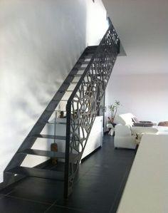 Scari interioare moderne - Traforate.ro Space Saving Staircase, Decorative Screen Panels, Architecture, Metal Working, Minimalism, Stairs, House Design, Interior, Railings