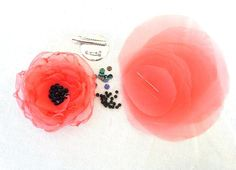 DIY Fabric Flower Coral Wedding Organza Circles For Flower Accessories and Projects - Make It Yourself- Wedding Bridesmaid Flowergirl - Stirnband - Organza Flowers, Felt Flowers, Diy Flowers, Fabric Flowers, Paper Flowers, Diy Fleur, Fleurs Diy, Fabric Flower Tutorial, Flower Circle