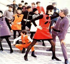 """1968 Pierre Cardin, collezione """"Cosmonautica""""."""