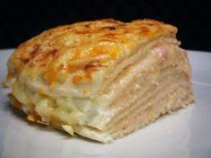 Ham and cheese cake - Arroz, papa, pasta & masitas - Pastel de Tortilla Tacos And Burritos, Cheesecake, Spanish Tapas, Cooking Recipes, Healthy Recipes, Empanadas, Ham And Cheese, Desert Recipes, Food Hacks