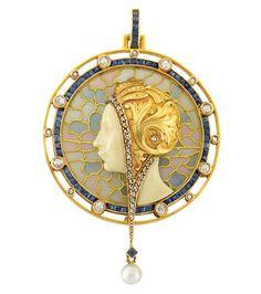 Masriera Hermanos 1900 Pen-dant: Gold/ Plique-à-Jour Enamel/ Diamond/ Sapphire/ Pearl