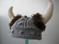 A free pattern for a knit Viking Hat by Becka Veverka. Just in time for Halloween. Crochet Viking Hat, Viking Knit, Knit Or Crochet, Crochet Hats, Single Crochet, Knitting Patterns Free, Knit Patterns, Free Knitting, Baby Knitting