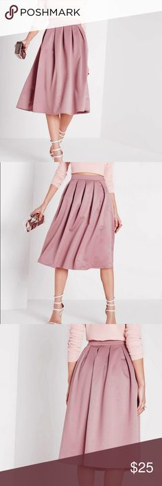 Missguided Mauve Satin Pleat Waist Band Skirt NWT Missguided Full midi skater skirt beautiful mauve pink color dusty rose. A little darker in person. New with tags so didn't post pictures of actual skirt just ones from site. Size 4. Runs slightly larger I would say. Missguided Skirts Circle & Skater