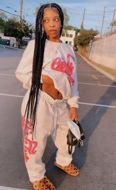 Link the outfit 😍 Box Braids Hairstyles, Braided Hairstyles For Black Women, Baddie Hairstyles, My Hairstyle, Girl Hairstyles, Hairstyle Ideas, Hairstyles Games, Hairstyles 2018, Black Girl Braids